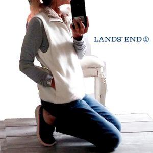 LANDS END WOMENS M WHITE ZIP VEST W/FUR COLLAR